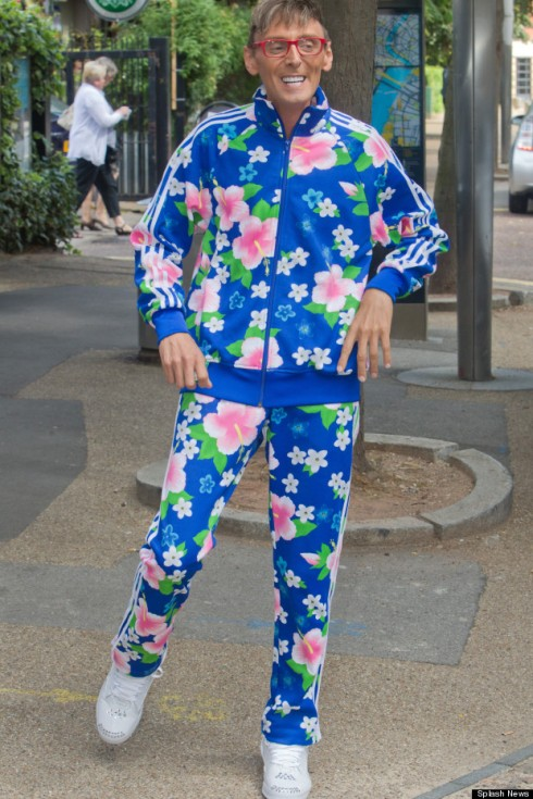 I'm not sure what tracksuit the Dumb Crim stole, but I hope it looked like this one.